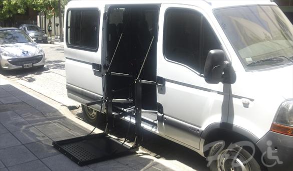 Plataforma elevadora de silla de ruedas comandos hd for Plataforma para silla de ruedas